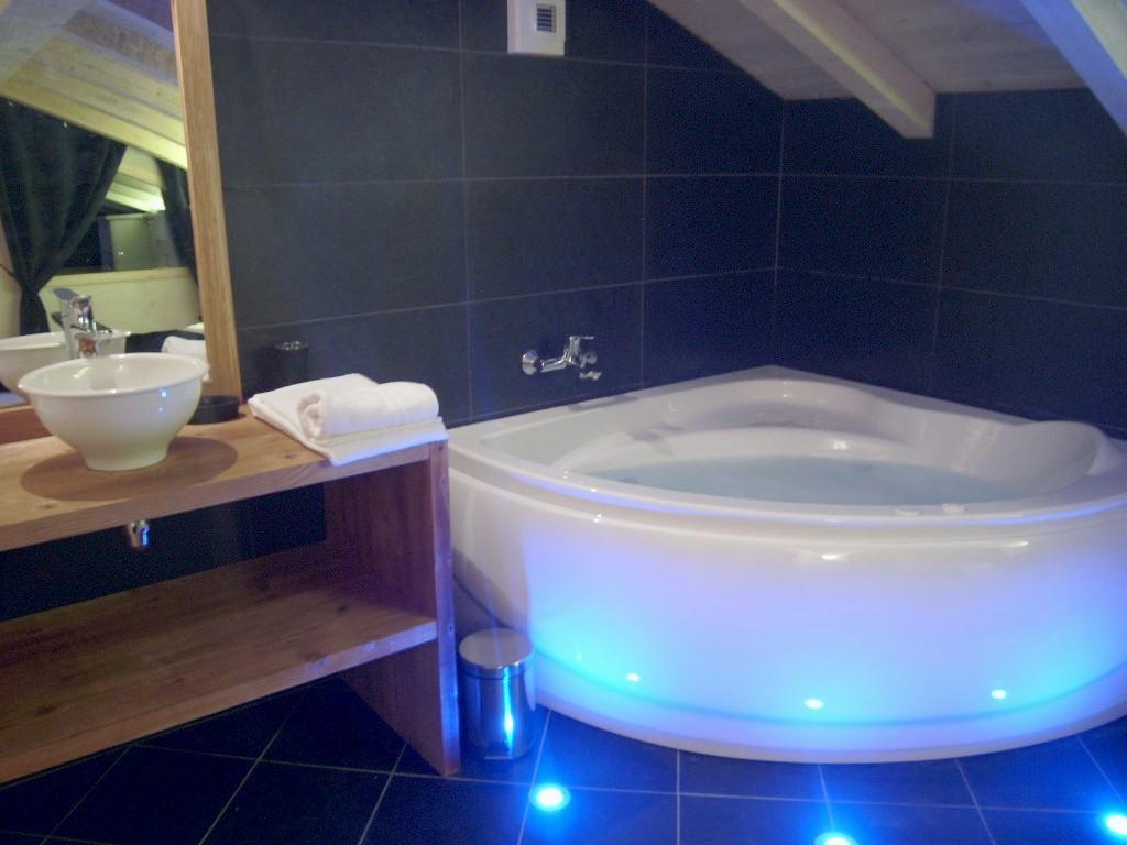 baignoire chambre libertine